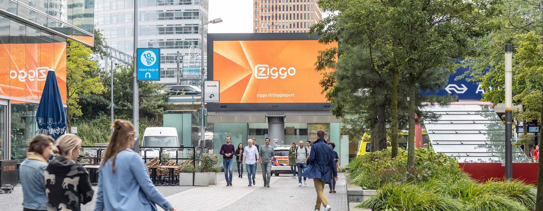 Digitaal scherm Station Amsterdam Zuid Campagne ziggo