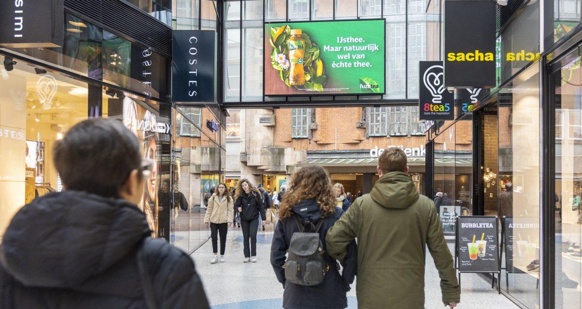 Digitaal scherm Den Haag de Passage campagne FuzeTea
