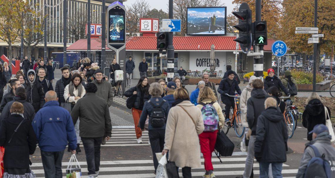 Campagne Zapper group Eindhoven Stationsplein