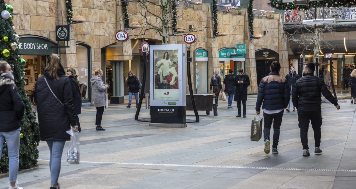 Digitale streetpads Rotterdam Koopgoot campagne H&M