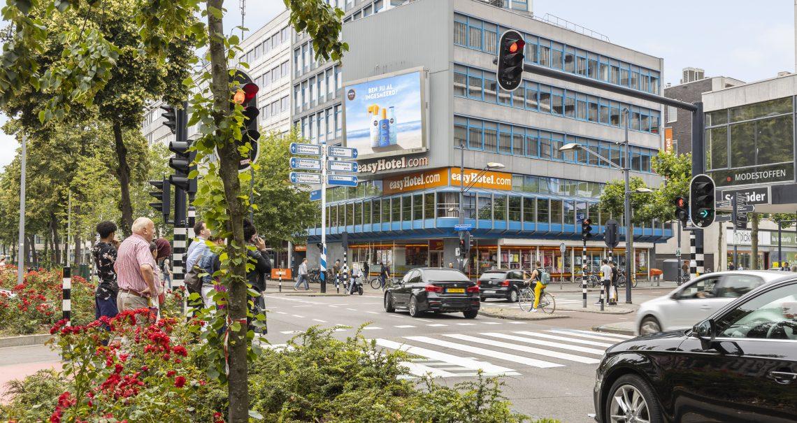 Digitaal scherm Rotterdam Westblaak campagne Nivea