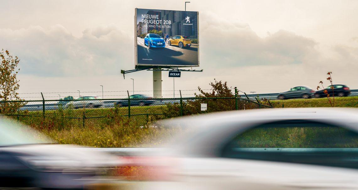 Ocean snelwegmast Schiphol 1 A4 campgne Peugeot