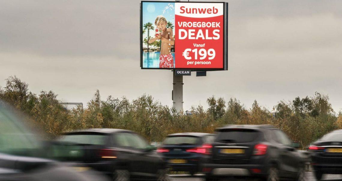 Campagne Sunweb op reclamemast Ocean Outdoor Nederland