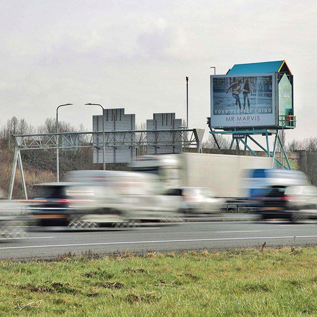 Nieuwegein Lifeguard Tower digitaal scherm richting amsterdam
